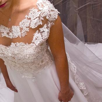 Lola Hurtado Vestidos de Novia vestidos boda madrid Gasas, tules, pedrería, bordados… tejidos y materiales de ensueño para Novias únicas